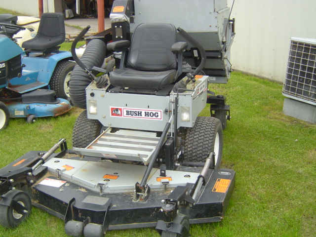 1998 Bush Hog ZT2200 Mower/Zero Turn