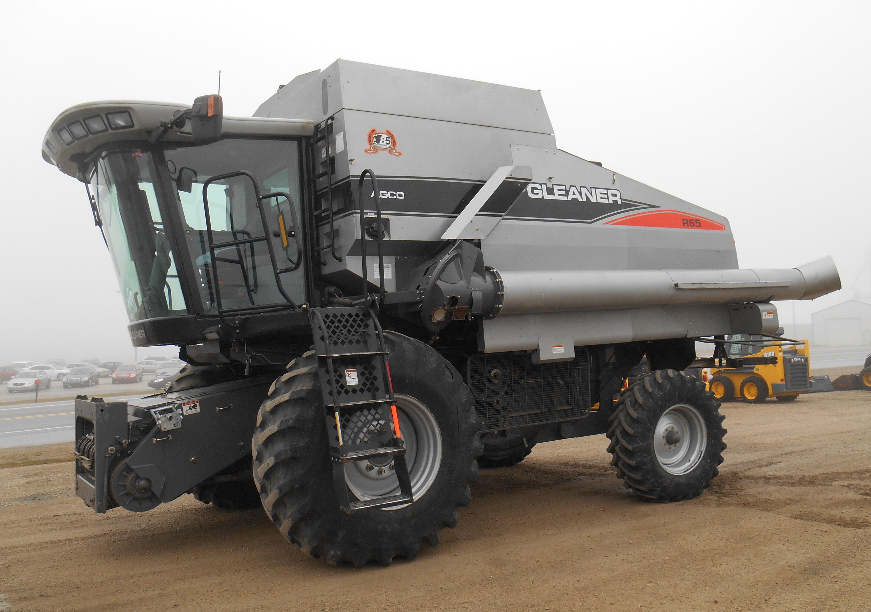 2008 AGCO Gleaner R65 Combine