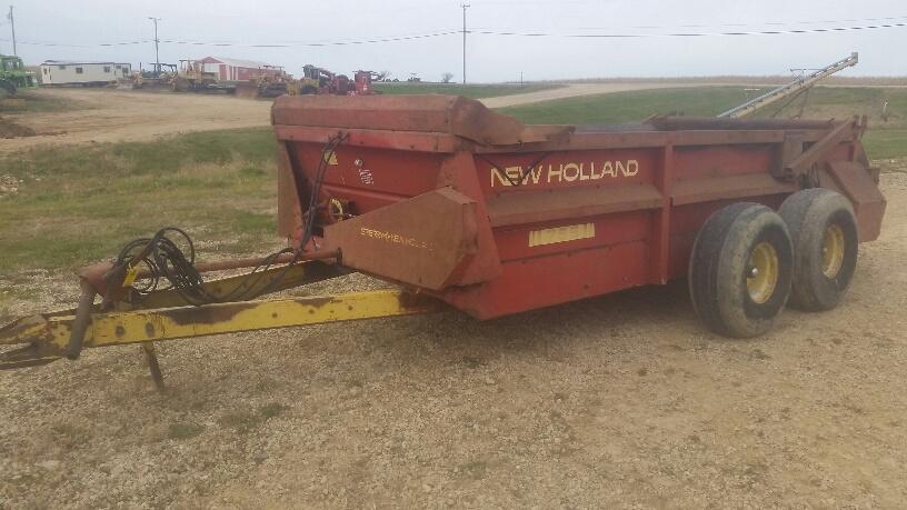 New Holland 795 Manure Spreader