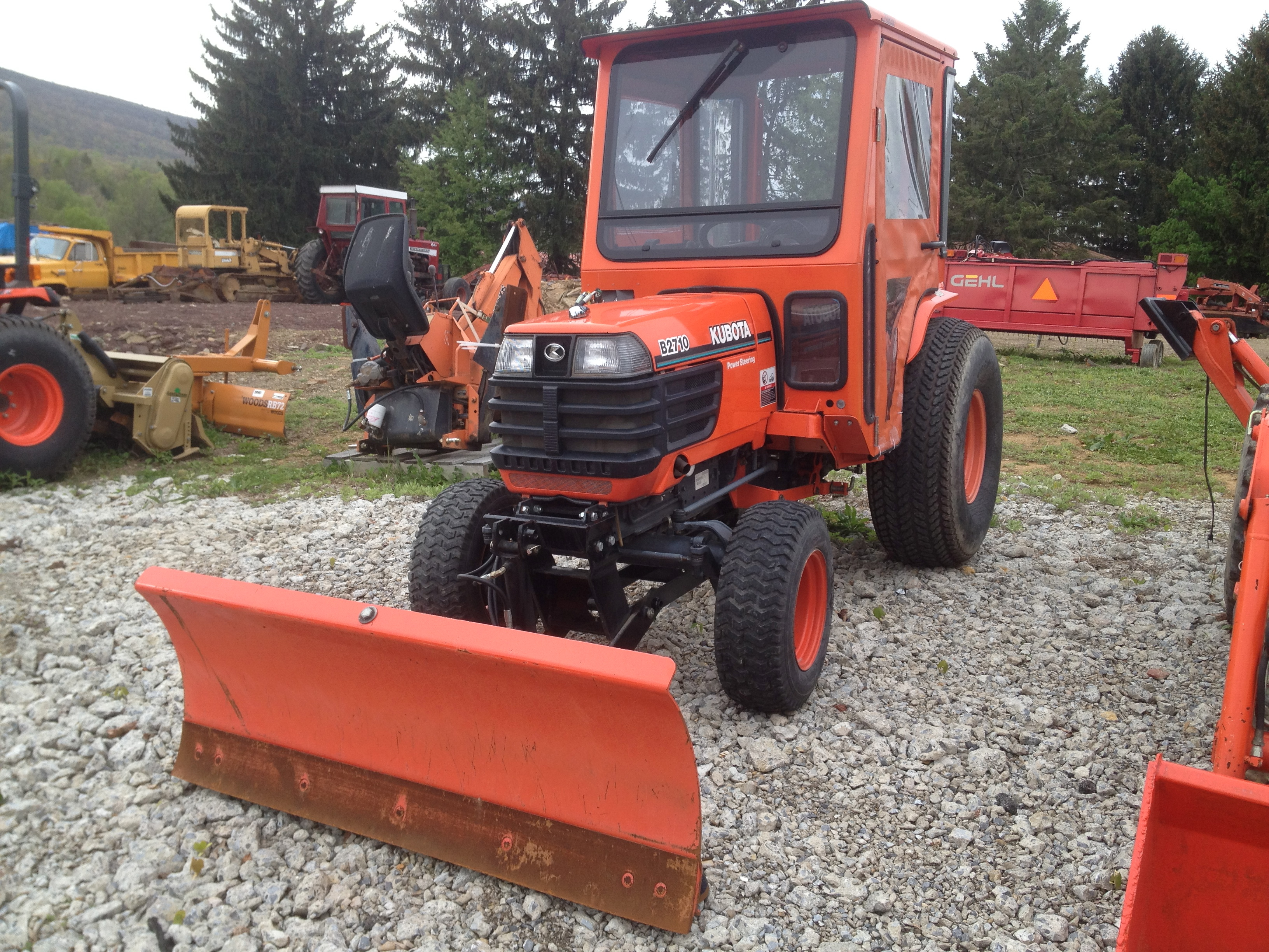 Kubota B2710 Tractor