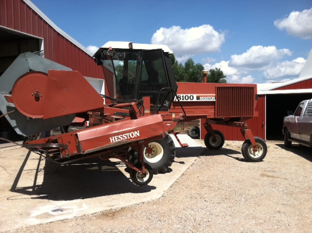 1990 AGCO Hesston 8100 Swather
