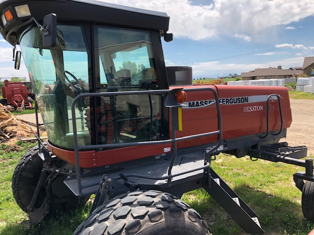 2001 AGCO Hesston 8250S Windrower for sale in Roosevelt, UT