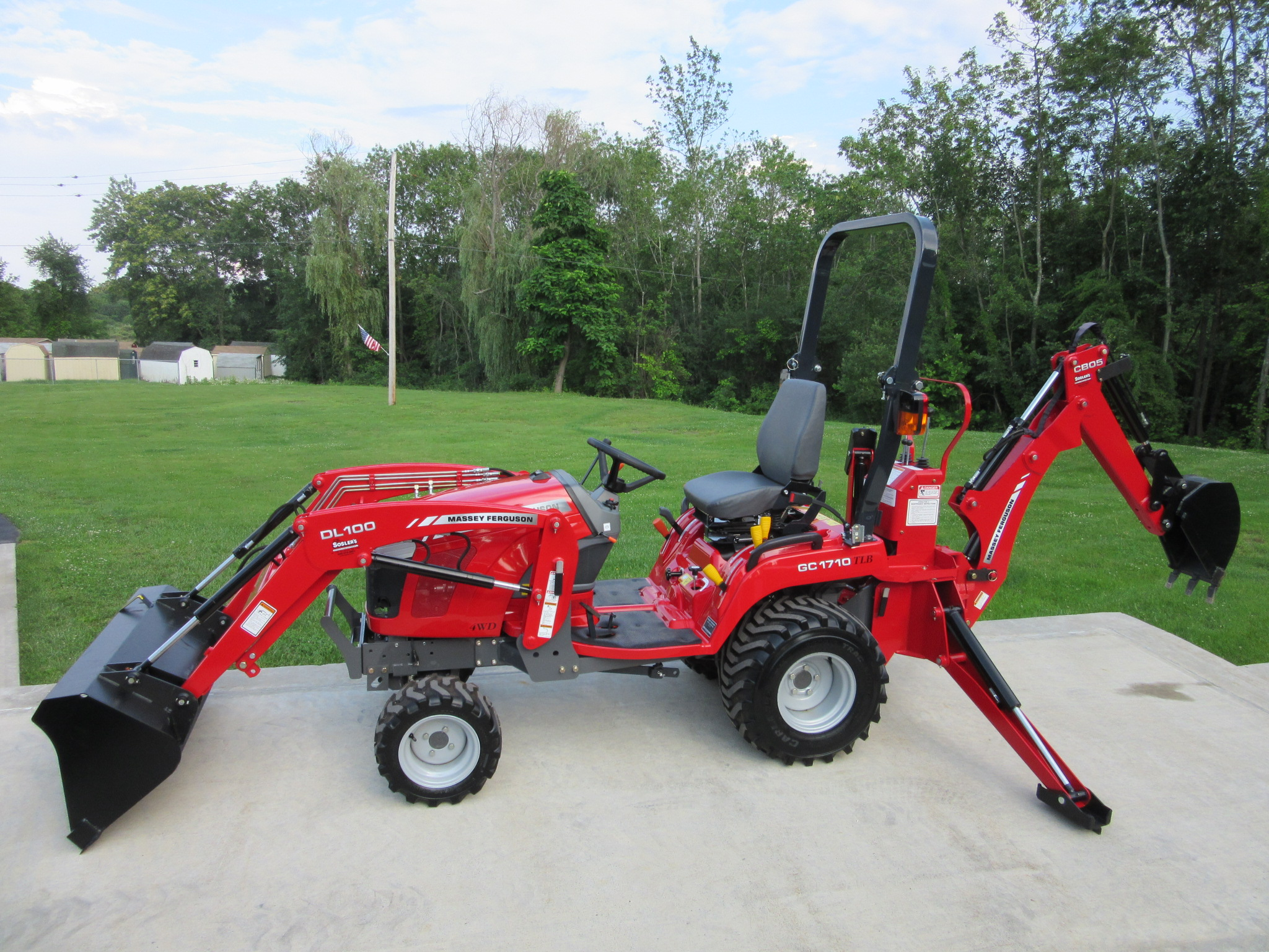 2014 Massey Ferguson GC1710 Tractor Loader Backhoe for sale