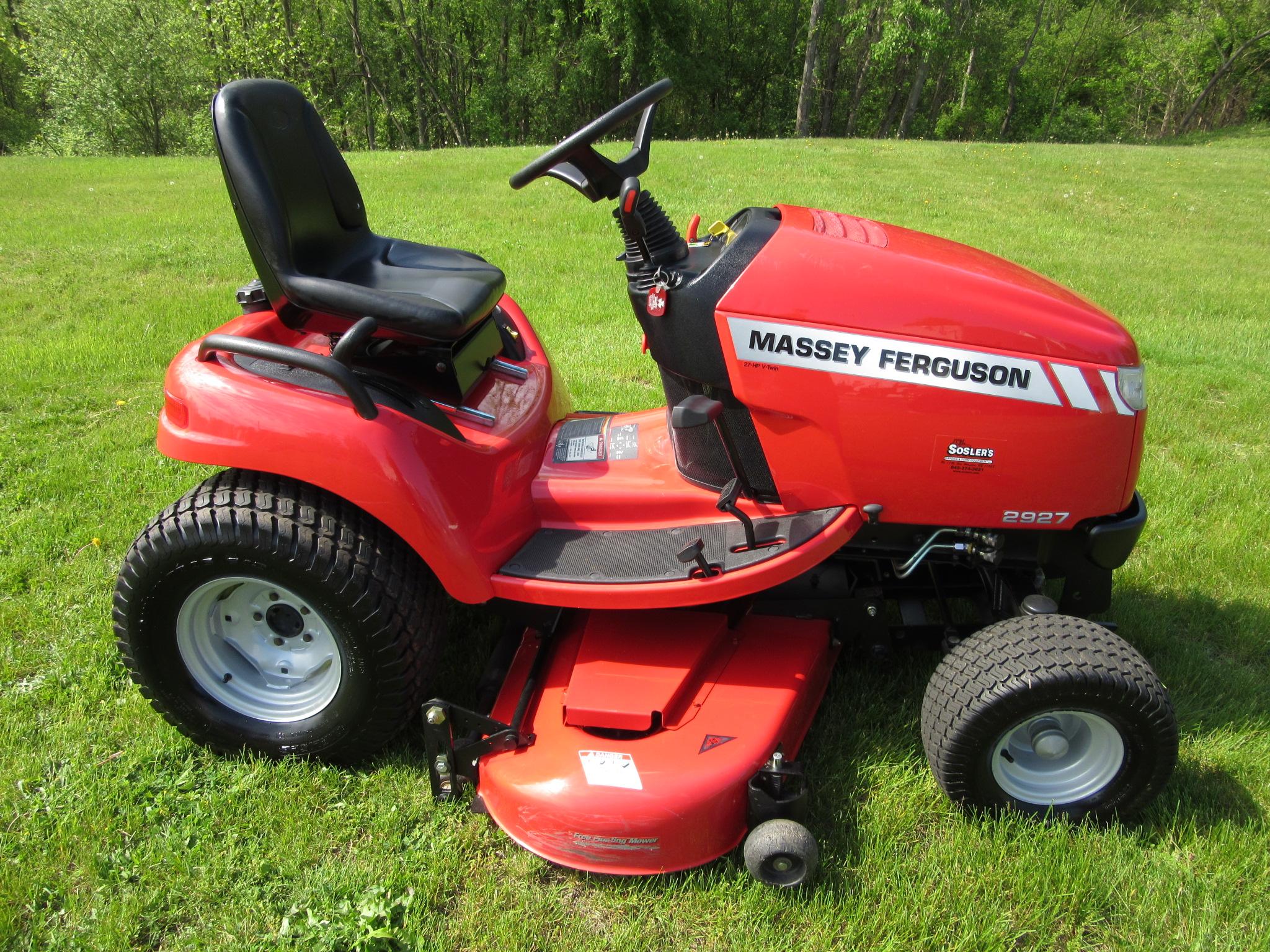 2010 Massey Ferguson 2927H Garden Tractor