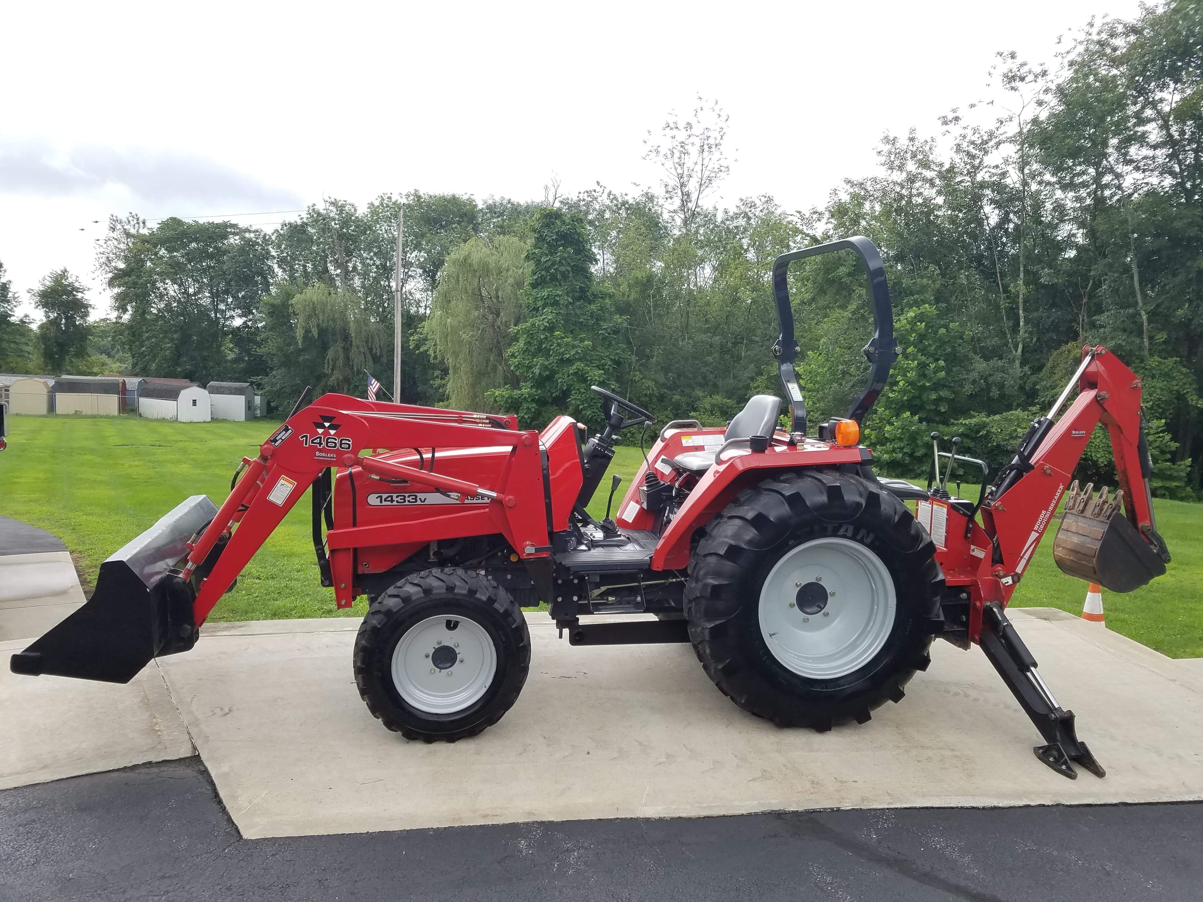 2009 Massey Ferguson 1528 Tractor Loader Backhoe for sale in